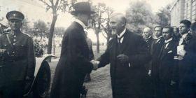 Prezident Masaryk na Vysoké škole zvěrolékařské v roce 1924 s Edwardem Babákem, prvním rektorem VFU Brno.