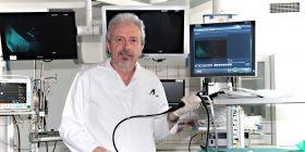 """""""Mění se podoba plicních onemocnění, třeba stále nevymýcené TBC, jejich četnost i pacienti,"""" říká profesor Vítězslav Kolek."""