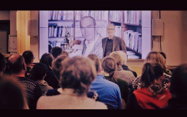 Fotografie ze společné přednášky na Špicberkách přímo sThomasem Eriksenem.