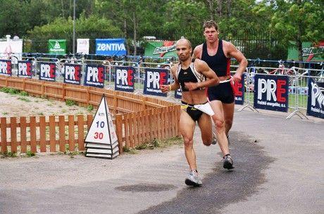 Kromě výuky se Cihlář sportu také sám aktivně věnuje (jeho srdcovkou je triatlon).