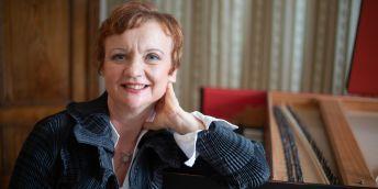 Barbara Maria Willi je profesorkou hry na cembalo na HF JAMU, kde založila první oddělení staré hudby na české vysoké škole a již od roku 1991 v tuzemsku významně přispívá k vývoji oboru historické interpretace.