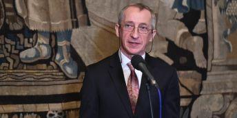 """""""Rada pro mne představuje nejen vrcholný orgán české vědy. Je to i reprezentace vynikajících odborníků a osobností, jejichž profesních i lidských kvalit si nesmírně vážím. Přijmout toto ocenění je pro mne skutečnou ctí,"""" uvedl Jaroslav Petr."""
