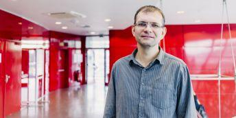 prof. Mgr. Jiří Damborský, Dr.  vedoucí pracoviště Loschmidtovy laboratoře Přírodovědecké fakulty MU a vedoucí výzkumného týmu Proteinové inženýrství FNUSA-ICRC