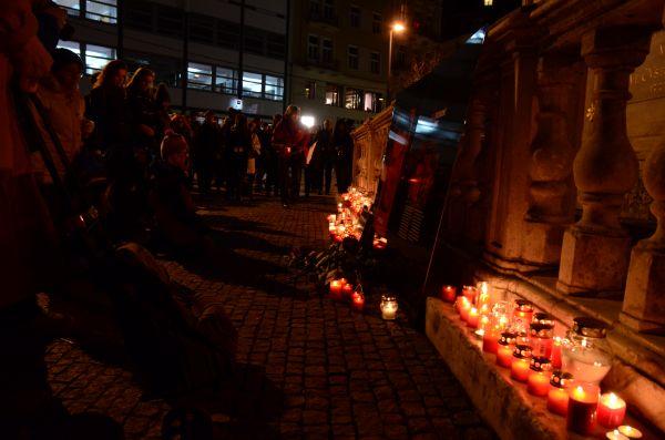 V Brně studenti uspořádali vzpomínkovou akci na náměstí Svobody.