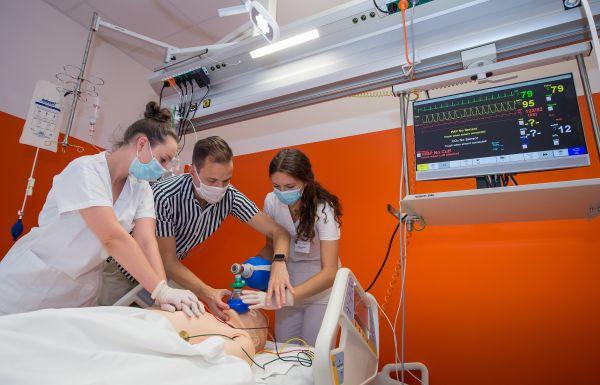 Simulační centrum JU, Jednotka intenzivní péče.