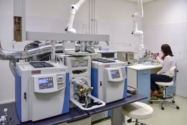 laboratore_RECETOX-600x0-1236102865.jpg