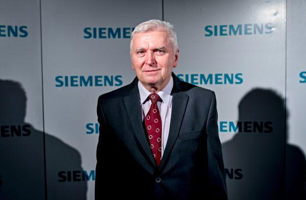 Foto: Cenu pro nejlepšího pedagoga získal Zdeněk Vostracký ze Západočeské univerzity vPlzni, který je propagátorem komplexního inženýrského vzdělávání.