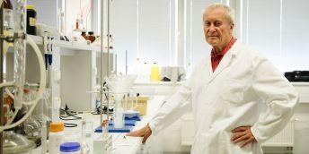 Pokud budeme vyrábět bionaftu z odpadních tuků a olejů, může být její výroba rentabilní, říká profesor Karel Kolomazník ze zlínské univerzity.
