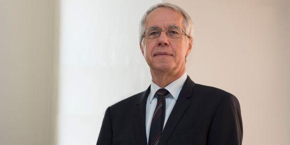 Studium se zjednoduší apřiblíží standardu, který platí na západ od nás, říká předseda NAÚ Stanislav Labík.