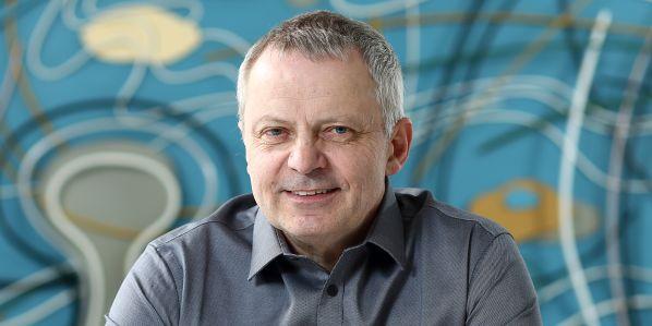 Rektor Miroslav Holeček.