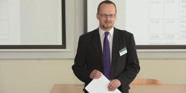 Ekonom Jan Stejskal, editor nové monografie, která vyšla uprestižního vydavatelství Springer.