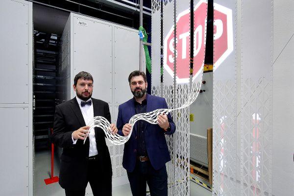 Zprava: Josef Pihera zFEL ZČU aLukáš Ferkl (Feramat Cybernetics).